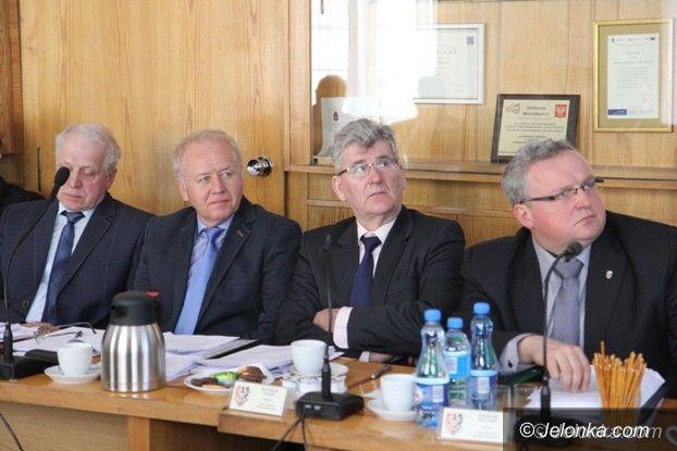 Powiat: Radni powiatu o pieczy zastępczej