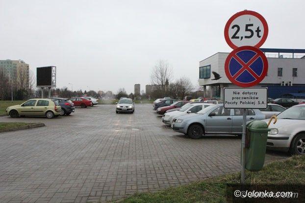Jelenia Góra: Parking przy poczcie nie dla… petentów