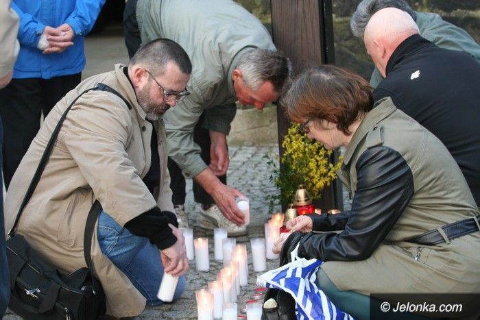 Jelenia Góra: Jeleniogórzanie uczcili pamięć ofiar smoleńskich