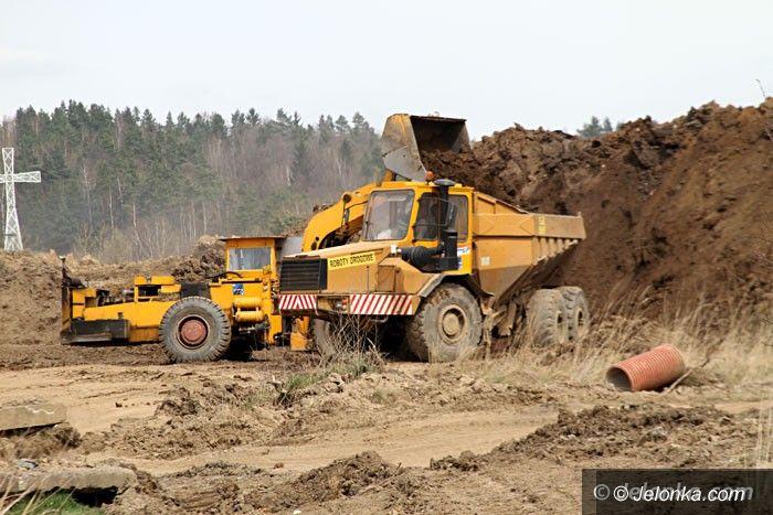 Jelenia Góra: Trwa równanie gruntu pod nowy urząd skarbowy