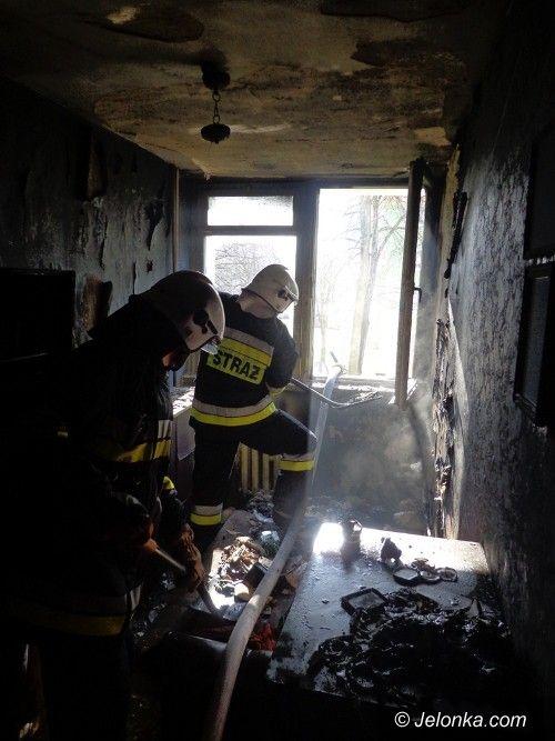 Jelenia Góra: Pożar w bloku przy Karłowicza