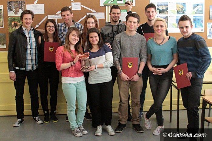 Jelenia Góra: Połączyli pasję z wiedzą i zdobyli tytuły mistrzów
