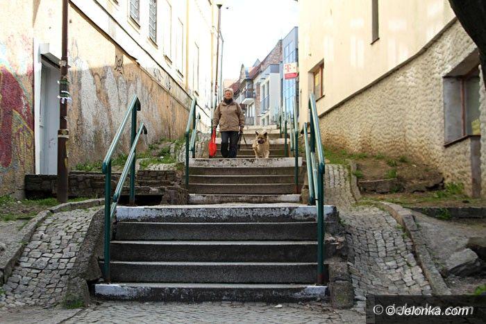 Jelenia Góra: Nowa ulica, remont schodków i wstydliwego parkingu w planach