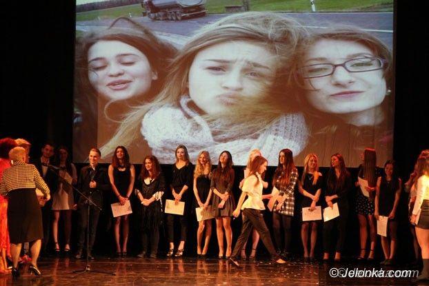 Jelenia Góra: Odebrali świadectwa, teraz matura