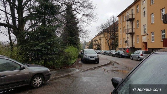 Jelenia Góra: Na Kadetów nie ma gdzie zaparkować