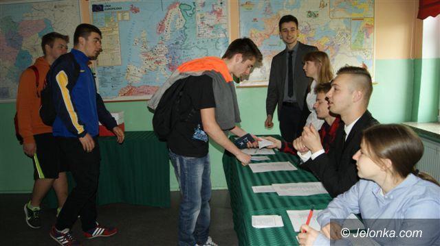 Piechowice: Kogo wybiorą młodzi na prezydenta Polski?