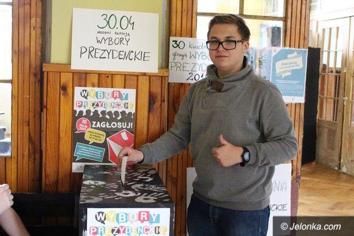 Jelenia Góra: Młodzi głosowali w prawyborach prezydenckich
