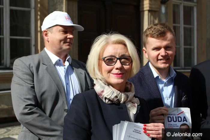 Jelenia Góra: PiS agituje i odnosi się do skandalu
