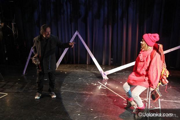 Jelenia Góra: O Czerwonym Kapturku podczas teatralnej próby