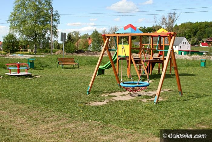 Jelenia Góra: Jest plac zabaw–będzie siłownia pod chmurką