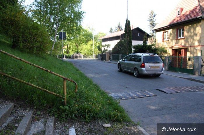 Jelenia Góra: Kiedy remont schodów przy Chełmońskiego?