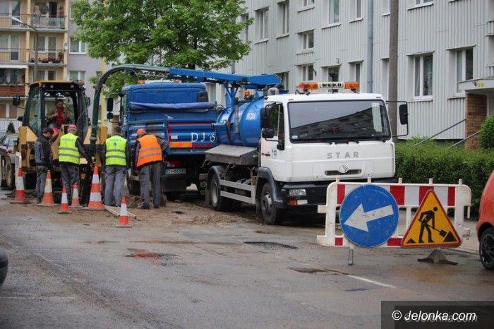Jelenia Góra: Pilnie (wreszcie) wymienią dziurawy wodociąg