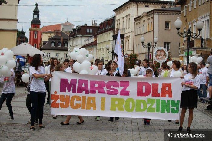 """Jelenia Góra: Jeleniogórzanie w """"Marszu dla życia i rodziny"""""""