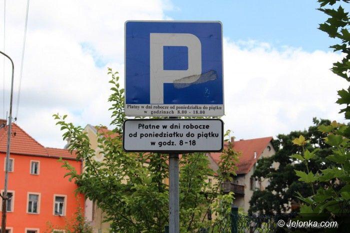 Jelenia Góra: Opłaty w strefach parkowania bezprawne?