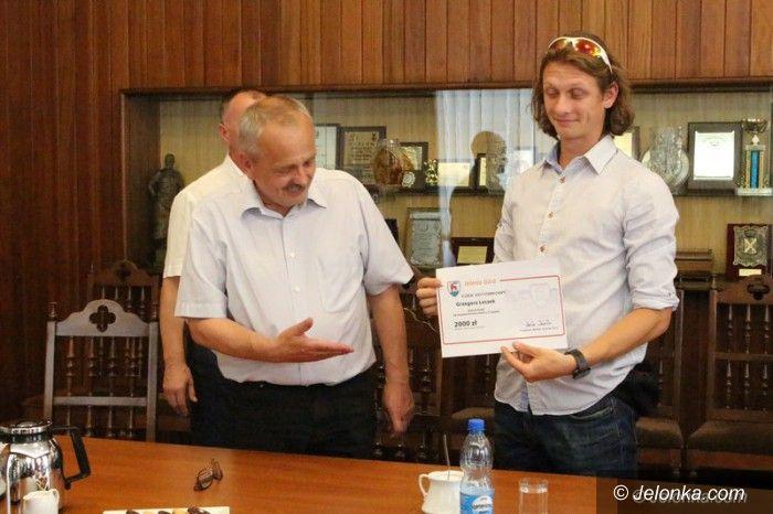 Jelenia Góra: Prezydent pogratulował rekordziście Polski