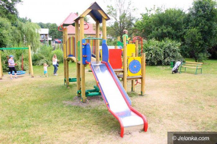 Jelenia Góra: Dzieci z Głowackiego mają piękny plac zabaw