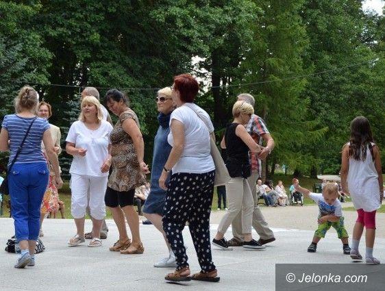 Jelenia Góra: Świetna zabawa na parkowej potańcówce