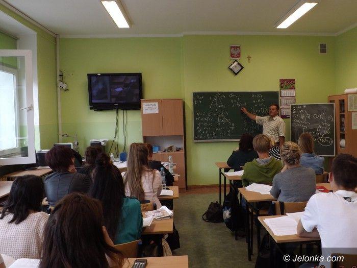 Jelenia Góra: Maturzyści chwalą wakacyjną matematykę