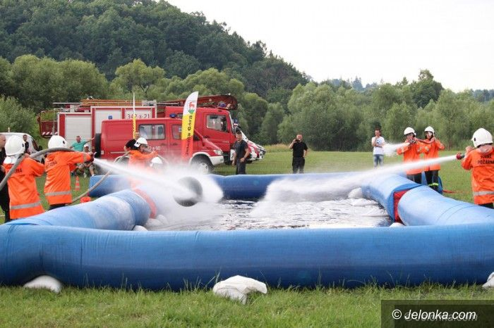 Jelenia Góra: Strażacka piłka wodna na Jeleniogórskich Błoniach