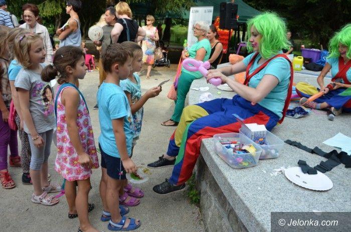 Jelenia Góra: Niezdarny Gapcio bawił dzieci w Parku Norweskim