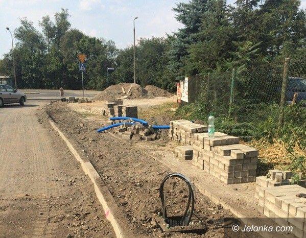 Jelenia Góra: Jedne ulice remontują dwa razy, na innych przestoje