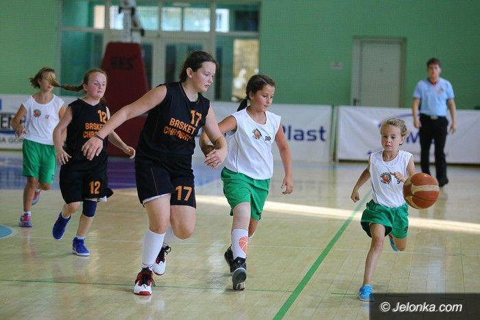 Jelenia Góra: Dziewczynki walczyły w turnieju Jelonek Cup