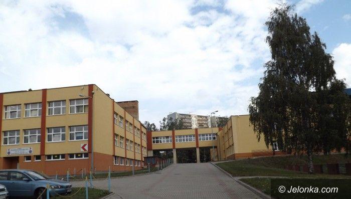 Jelenia Góra: Szkoła Podstawowa nr 11 wreszcie bez witrolitów