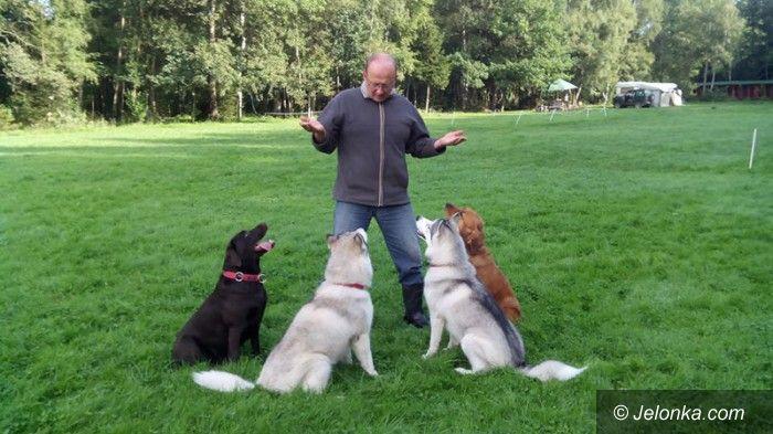 Jelenia Góra: W. Leszczyński: Zaklinacz… opiekunów psów