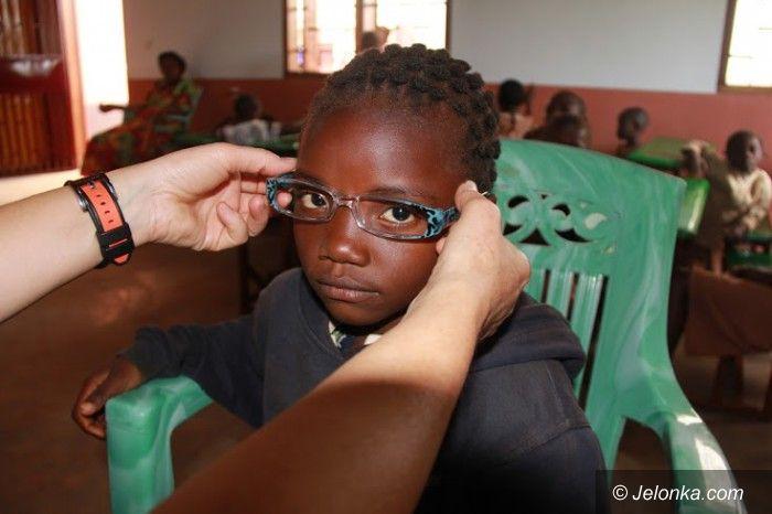 """Jelenia Góra: Uczniowie zbierają """"okulary dla Afryki"""""""