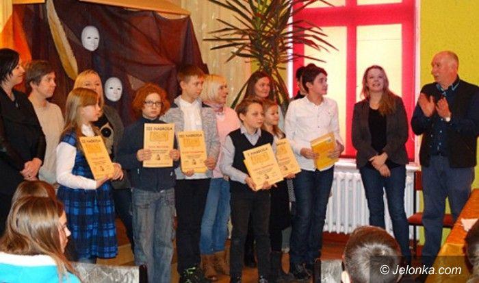 Jelenia Góra: Po powiatowych zmaganiach recytatorskich w MDK