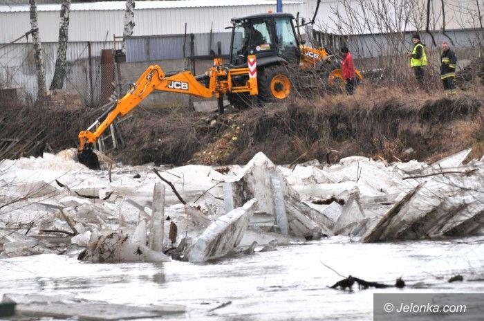 Region: Zatory na rzekach. Mieszkańcy boją się podtopień