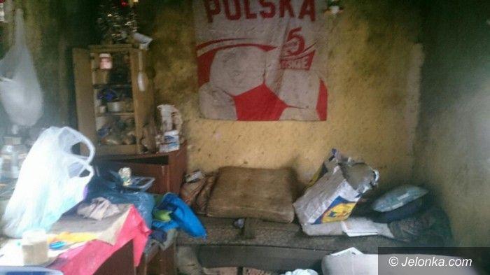 Jelenia Góra: Bezdomni bracia koczowali przy Spółdzielczej