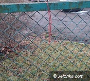 Jelenia Góra: Strażnik miejski uratował samobójcę