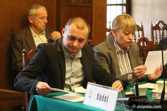 Jelenia Góra: Spokojna i krótka sesja Rady Miejskiej