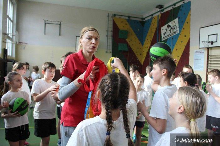 Jelenia Góra: Uczniowie SP 2 spotkali się z mistrzynią