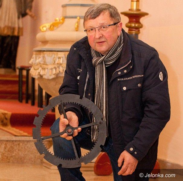 Region: Zabytkowy zegar z Dziwiszowa odnowiony