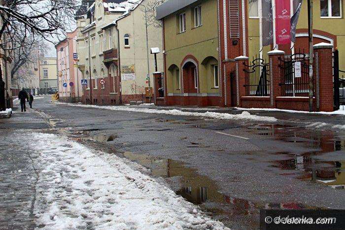 Jelenia Góra: Ulica Obrońców Pokoju do remontu