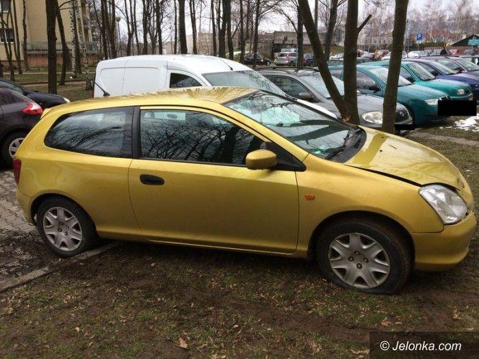 Region: Napadli na kobietę i odjechali jej autem. Niezbyt daleko