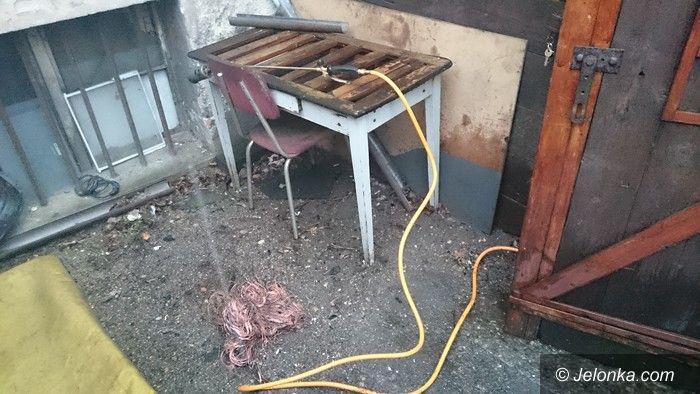 Jelenia Góra: Spalali odpady powodując zagrożenie