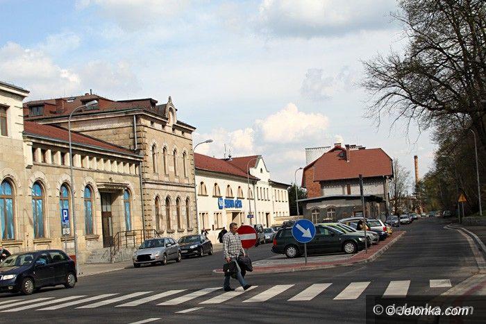 Jelenia Góra: Przy dworcu PKP powstanie duży parking