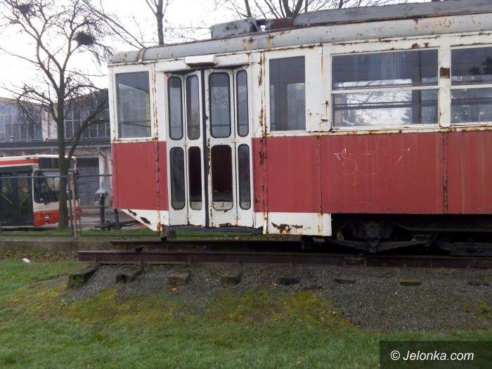 Jelenia Góra: Czytelnik: Taki tramwaj, to wstyd!