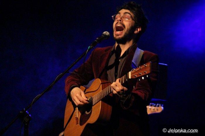 Jelenia Góra: João de Sousa grał i śpiewał w JCK–u
