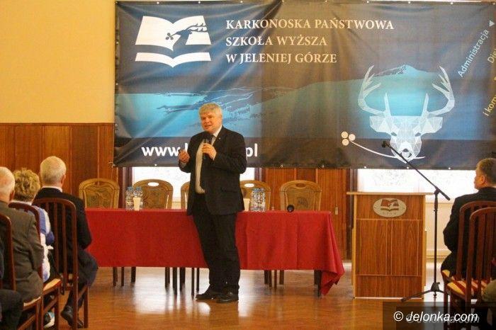 Jelenia Góra: Maciej Lasek o badaniu wypadków lotniczych