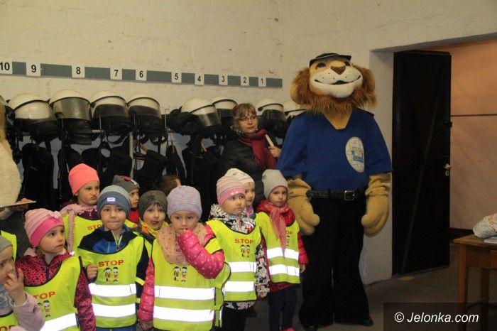 Jelenia Góra: Przedszkolaki z wizytą u policjantów