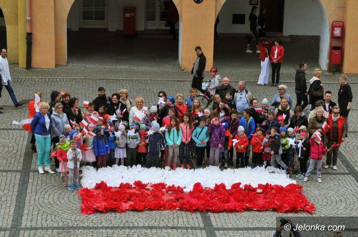 Jelenia Góra: Przedszkolaki uczciły Dzień Flagi