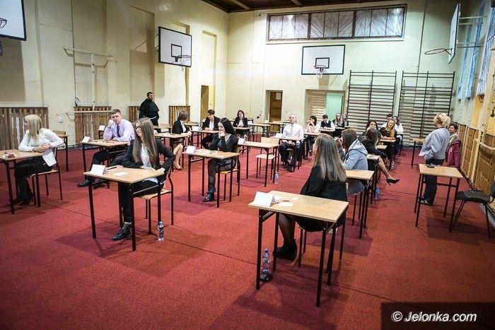 Region: Egzamin dojrzałości rozpoczęty
