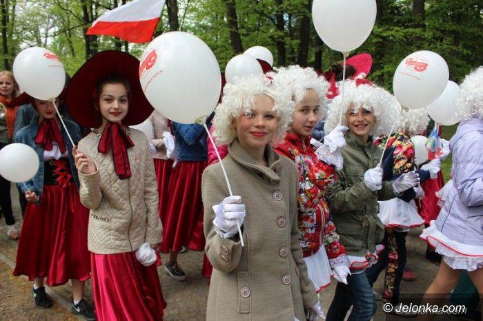Jelenia Góra: SDF: Barwna parada i fantastyczne występy