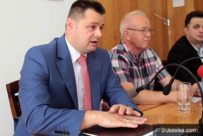 Jelenia Góra: Radni chcą odwołania zarządu powiatu