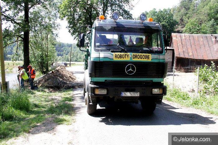 Region: Trwa (wreszcie) remont drogi w Trzcińsku