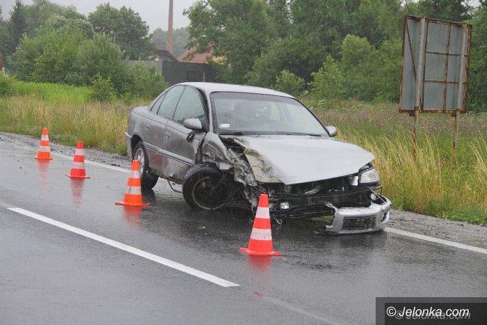 """Region: Kolizja na krajowej """"trójce"""" w Radomierzu"""